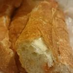 フルフル天神パン工房 - 明太子フランスパンをいただきます。