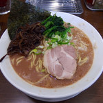 うまいヨゆうちゃんラーメン - ラーメン大盛・麺固め(800円)