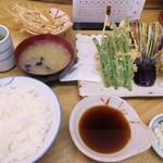 天鈴 - 料理写真:・「天ぷら定食(\800)」