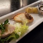 Trattoria La Padella - 前菜2 大山鶏の生ハム、白レバームース、生牡蠣のバリエットソース
