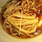 ラーメン&ビストロ ウシオ ウエノイースト - 自家製麺、細さ