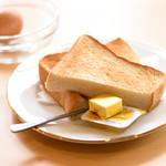 喫茶ここから - 厚切りトーストとゆで卵のセット