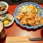 和風レストラン 魚勝 - この日は「しょうが焼き定食」(680円税込)