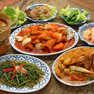 辛さと酸っぱさが食欲をかきたてるヘルシーな本格タイ料理!