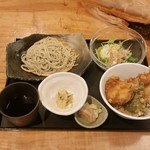 79569735 - ランチミニ天丼&蕎麦。