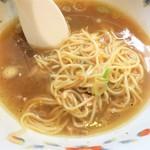 ら~めん 寺子屋 麺倶楽部 - 最後はスープに投下~♪