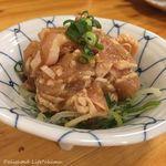 大衆酒場 ビートル - 地鶏の鶏わさ(280円税別)