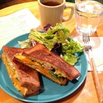 WORLD NEIGHBORS CAFE - WNCサンドイッチ。