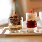 S.S.コロンビア・ダイニングルーム - 料理写真:グラスデザートは4品から2品選びます。 他はアセロラゼリー&ライチーシャーベットとストロベリームース&チアシード入りヨーグルトでした。
