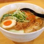 広島らーめん 平の家 - 料理写真:カレーらーめん 780円