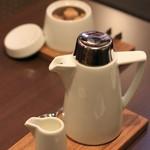カフェ ラストワルツ - コーヒーはポットサービス