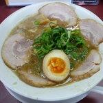 Menyashimpuukan - ど・とんこつ麺+チャーシュートッピング