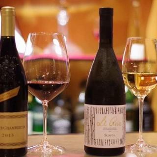 ソムリエ厳選のワインが70種類以上!記念日から普段使いまで。