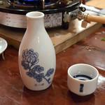 どぜう飯田屋 - 樽酒(800円)