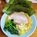 79585303 - ラーメン780円麺硬め。海苔増し50円。