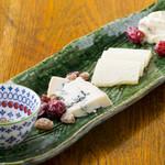 カデルムーロ - チーズ盛り合わせ
