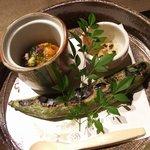 7959209 - 北海道産生雲丹の醤油漬けと若布ジュレ、空豆の炙り焼き