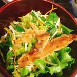 はまさき村 - サラダにも魚の燻製みたいなのが入ってます(^^)
