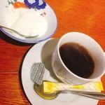 はまさき村 - デザートの杏仁豆腐とコーヒー(^^)
