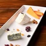 チーズ盛り合わせ 3種