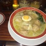 広州市場 西新宿店 - ワンタンたっぷり♡