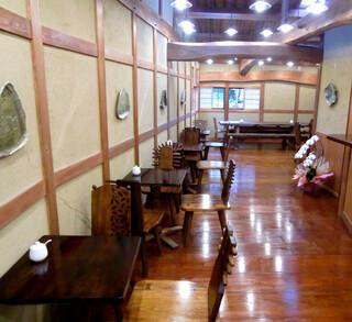 mugi - 2階のカフェ