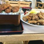 小鳥食堂 - ソースカツ重(大盛)+唐揚げ【料理】