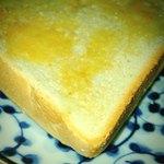焼きたて食パン専門店 一本堂 - トーストの耳美味しい!