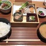 79609180 - 鮭膳(1,420円税込)