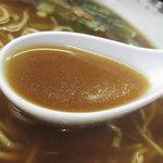 丸高中華そば - スープ