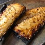 ひもの和助 - ふっくら焼きあがったさごしの味醂干し