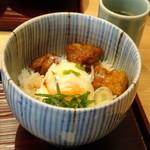 赤坂茶房 - *ミニ丼は「から揚げ丼」でした。 から揚げは甘酢がかけられていていい味わいですが、私には多いので主人へ。