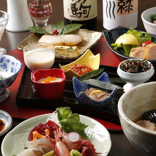 日本酒に合う和食料理に舌鼓。様々なシーンに合うコースもご用意