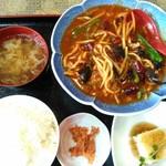 悦悦飯店 - 魚香肉丝定食 780円
