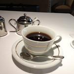 DEAR DAUGHTER - ◆ドリンクは珈琲・紅茶などから選べますので、珈琲を。少しぬるめでした。