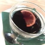トライアングルカフェ - ホットワイン600円