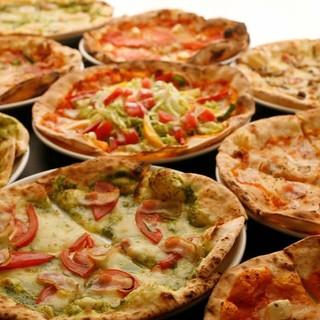 手作り釜焼きピッツァが全品500円◎肉料理や生パスタも充実