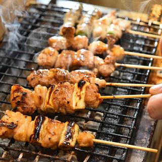 多様なお肉が楽しめるバラエティー豊かな串料理・つくねも好評!