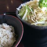 Hanakina - ジューシーと野菜そば肉抜き