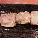 もつ焼き 三朝 - ハツ(塩)