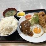 淀ヤ食堂 - 料理写真:ハンバーグカキフライ定食大盛り1070円