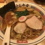 とら食堂 - ワンタン麺(890円)
