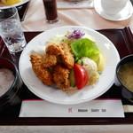 中山カントリークラブ - 料理写真:牡蛎フライ膳