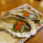割烹あそ - 生牡蠣:大ぶりで磯の香りも濃厚