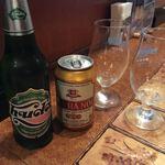 サイゴン・レストラン - 左がフーダ。右がハノイ。缶ビールで出されたので、ちょっと興ざめでした(苦笑) ('18/01/19)
