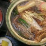 愛宕庵 - 名古屋味噌煮込みうどん(ライス付き)  850円                             トッピング 餅  100円
