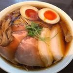 79641287 - 特製醤油らぁ麺、大盛