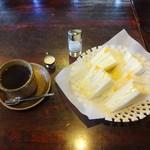 たむたむ - 料理写真:玉子サンド&ブレンドコーヒー