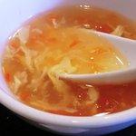 迎賓楼 - ランチスープ(トマトと玉子)