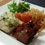 ホテルオークラレストラン三鷹 チャイニーズガーデン 桃亭 - 3種前菜盛合せ(ハーフ)。チャーシュウ美味しい~♪